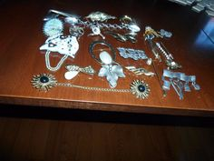 17 Brooches, 2 Sweater Clips, 2 Stick Pins, 2 Hair Clips - AAI, LC, Three Sister #AAILCThreeSistersCynthiaWebb
