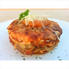 Lasaña de salmón y champiñones Salmon Burgers, Ethnic Recipes, Food, Pasta Sauces, Recipes, Salmon Patties, Eten, Meals, Diet