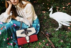 グッチのクリスマス - タイガーやビーなど動植物を描いたバッグ&小物 - 写真6枚目 | ファッションプレス