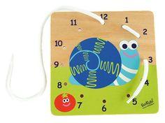 Objavili sme skvelý spôsob, ako priblížiť dieťatku svet čísel a pomôcť mu ho správne pochopiť. Drevená doštička s obrázkom veselého slimáčika a s dierkami na prevliekanie šnúrky vedie dieťatko od čísla k číslu v správnom poradí od 1 po 12 a zároveň mu pomáha rozvíjať drobnú prstovú motoriku a zručnosť. Táto zábavná hra je mimoriadne vhodná ako prvý stupienok pred dôležitou etapou vstupu do základnej školy každého dieťatka.  • Nápaditý spôsob ako naučiť dieťatko rozpoznať čísla • Rozvíja…