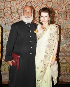 His Royal Highness Shriji Arvind Singh of Udaipur and Princess Catherine Colonna of Stigliano Duleep Singh, India And Pakistan, Blue Bloods, Udaipur, Celebrity Weddings, Movie Stars, Royalty, Sari, Royal Families