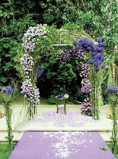 gorgeous chuppah  *AMAZING love the fullness and the asymmetry*
