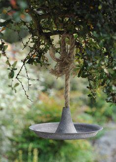 cast zinc bird feeder