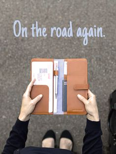 On the road again with my favourite companion: Travel Organizer Caramel - LOST & FOUND accessoires