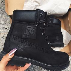 Timberland boots @yakindayini          I LIKE HER NAILS TOO!