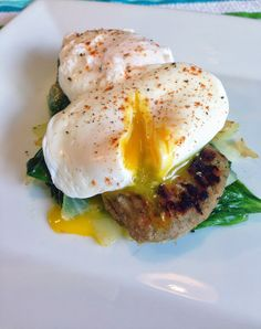 Poached Eggs over Turkey Sausage and Wilted Spinach. 1 1/2 red, 1 green