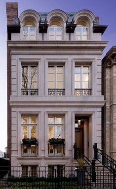 Let us make your dream home a reality. Savane Properties, Inc. is a residential builder serving the city of Chicago. Neoclassical Architecture, Classic Architecture, Facade Architecture, Facade Design, Exterior Design, Townhouse Exterior, Ville New York, Townhouse Designs, Classic Building