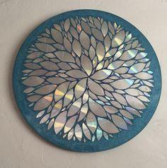 Cd Mosaic, Mosaic Crafts, Mosaic Mirrors, Mosaic Projects, Mosaic Garden Art, Paper Mosaic, Blue Mosaic, Mosaic Wall Art, Old Cd Crafts
