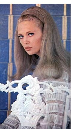 beautiful young Faye in My Photos by Faye Dunaway Hollywood Glamour, Hollywood Stars, Classic Hollywood, Vintage Hollywood, Faye Dunaway Movies, Thomas Crown Affair, Oscar, 1960s Fashion, Vintage Beauty