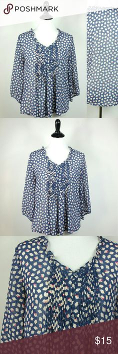 Old Navy sheer peasant top blue print Medium Old Navy sheer peasant top blue print Medium  Size medium Button front sheer  Measurements lying flat  Pit to pit 19in Top to bottom 29in Sleeve 17in Old Navy Tops Blouses