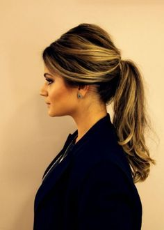 Acesse o Penteados Simples e Veja → Modelos de Penteados ✓ Para o Dia ✓ Tendência 2016 ✓ Para Festa ✓ Indicações ✓ Minhas Fotos ✓ Acesse Saiba Mais!