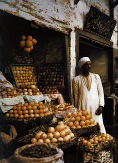 Egypt, Autochromes taken by Gervais Courtellemont and W. Robert Moore for National Geographic.
