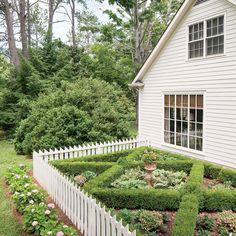 Lookout Mountain Farmhouse: The Boxwood Garden