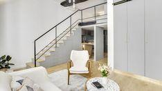 Un mini loft dans le Marais Studio Apartments, Studio Apartment Living, Studio Apartment Layout, City Apartments, Apartment Ideas, Mini Loft, Bus Living, Living Spaces, Living Room