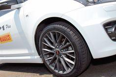 A Pirelli considerou a importância da estética esportiva aliada à performance durante o desenvolvimento do novo produto