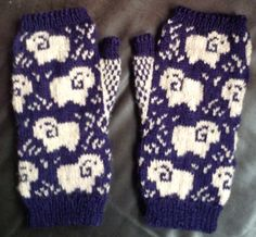 Ravelry: Brigiet's Sheep fingerless mittens