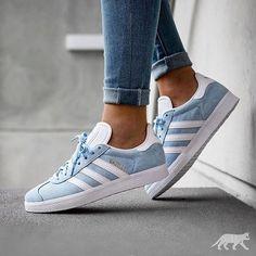 official photos 6a895 aeb0c Adidas gazelle Blue Adidas Shoes, Blue Sneakers Outfit, Adidas Sneakers,  Adidas Sneaker Nmd