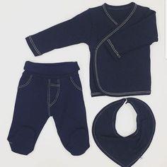 Look total en denim. @kachababies nos propone este conjunto en algodón orgánico para nuestros bebés. Polaina camiseta cruzada de manga larga y bandana.  #nins#ninsmanresa #modainfantil #moda#instadaily#instalike #instagood #denim #kacha #organiccotton #ootd#ootdkids #madeinbarcelona #newborn #pregnacy #canastilla #babieswear #cute #igbabies #justbaby