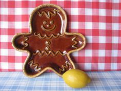 Hull Gingerbread Man Cookie Plate Drip Glaze by LucyBettyNJune