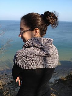 Hobbiton Cowl by Erica Jackofsky (Fiddle Knits) - knit worsted-weight cowl #LOTR