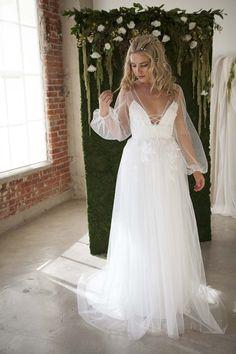 Wedding Dresses Tara Lauren Bridal Collection, wedding ideas, wedding inspiration, bridal gown, bohemian, 70's, feminine, romantic