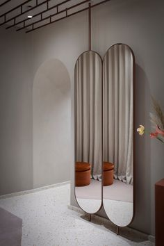 Showroom interior design - Alysi Fashion Store in Milan by Studiopepe – Showroom interior design Showroom Interior Design, Retail Interior, Interior Architecture, Showroom Ideas, Fashion Showroom, Store Interiors, Retail Design, Store Design, Art Deco