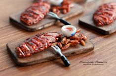 Miniature Dollhouse Roasted Ribs On The Wooden Board by Minicler on Etsy Miniature Crafts, Miniature Dollhouse, Miniature Food, All The Small Things, Mini Things, Accessoires Barbie, Happy Stickers, Food Sculpture, Barbie Doll House