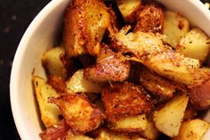 Roasted parmesan potatoes I made mine with sweet potatoes and yams as well as potatoes yummy Potato Dishes, Potato Recipes, Vegetable Recipes, Food Dishes, Real Food Recipes, Great Recipes, Cooking Recipes, Yummy Food, Favorite Recipes