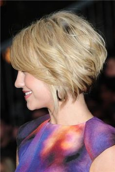 Cute short bob hairstyle.  If the length of the hair in front didn't get in my face and drive me nuts, I think I'd like this style.