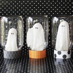 "Hello fellow Spooktacular September fans! Isn't this event amazing? I love the eighteen25 girls (in an unhealthy way, seriously) and am so happy to be participating in this Halloween goodness for my third time! Hooray for all things Halloween! Today I am sharing a little Halloween craft I call ""Ghosts In A Jar."" Title=self explanatory. …"