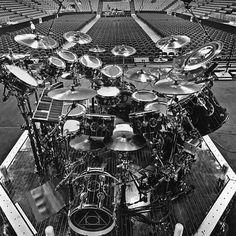 #theprofessor#neilpeart#rush#clockworkangels#R40#timemachine#drum#drums#drummer#drummerboy#drumset#drumkit#drumporn#drumline#drummergirl#recordingstudio#musico#baterista#instadrum#drumming#percussion#percussionist#Bateria#drumlife#drumdrumdrum#drumsticks by michael_moro9