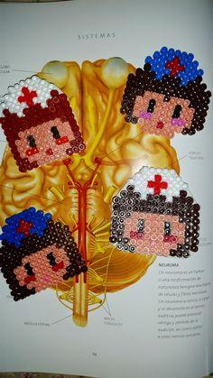 Enfermeras personalizadas con Hama Beads  #enfermera #nurse #care #cuidados #hamabeads #beads #perler #laboresenlaluna #personalizar
