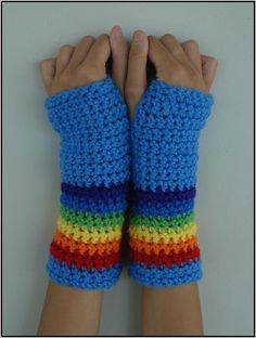 Oh gosh I can't stop!! I would wear these every. day. of winter!! O.o  #$16.00 #Etsy #RAINBOW DASH