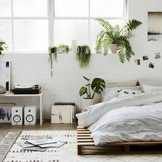 Minimalist bedroom ideas on a budget (41)
