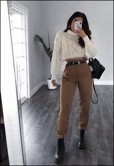 trendy outfits for summer . trendy outfits for school . trendy outfits for women . Winter Mode Outfits, Winter Fashion Outfits, Look Fashion, Spring Outfits, Hipster Outfits Winter, Ootd Winter, Womens Fashion, Fashion Moda, Winter Going Out Outfits