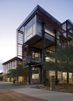 Gallery of ASU Polytechnic Campus / Lake|Flato Architects + RSP Architects - 3