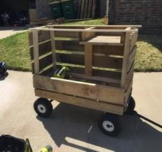 Mobile Lemonade Stand made mostly from PALLETS on How @ HelloBeautifulFun.com