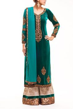 Green Velvet Pakistani Style Kameez With Palazzo Trousers