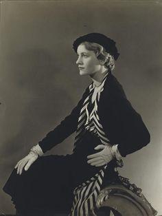 Lee Miller for British Vogue, 15 April 1932, Horst P. Horst. (1906 - 1999)