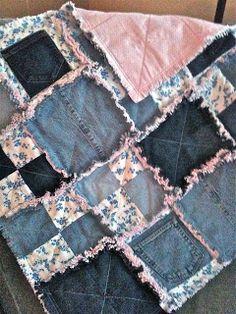 Jean Crafts, Denim Crafts, Denim Quilt Patterns, Denim Quilts, Bag Patterns, Flannel Rag Quilts, Refaçonner Jean, Jean Bag, Blue Jean Quilts
