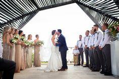 Erster Kuss als Ehepaar   Foto von Quetzal WEdding Photography   www.hochzeitsplaza.de/rea-weddings   #braut #hochzeit #hochzeit2017 #braut2017 #realwedding #hochzeitsplanung #weddinginspo #bride #bride2017 #wedding2017
