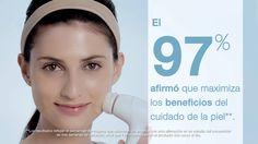 El Cepillo Limpiador Facial Skinvigorate™ activa tu rutina del cuidado de la piel y proporciona una limpieza más profunda. Conócelo gracias a este vídeo.