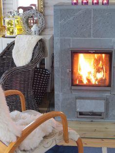#fireplace #cabin #holidaycottage #cottage #finland #villahevi Finland, Home Appliances, Cottage, Cabin, Wood, Home Decor, House Appliances, Decoration Home, Woodwind Instrument