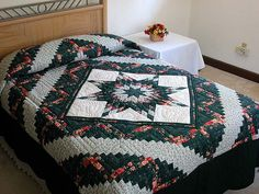 Lone Star Log Cabin Quilt -- outstanding specially made Amish Quilts from Lancaster (hs164)
