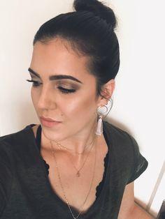 Makeup Looks, Make Up, Drop Earrings, Jewelry, Fashion, Moda, Jewlery, Jewerly, Fashion Styles