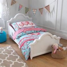 THE WELL APPOINTED HOUSE - Luxury Home Decor- Raleigh Toddler Bed in White