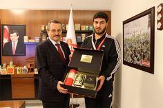 Rize Yeni Şehir Spor salonunda sona eren, Türkiye Gençler Grekoromen Şampiyonasında, Çaykur Spor Kulübü spor Grekoromen Güreş Takımı birçok klasmanda elde etmiş olduğu birincilik, ikincilik ve üçüncülük şampiyonluklarıyla, yarışmaya katılan 48 il takımı arasında Türkiye üçüncülüğünü kazanmayı başardı.