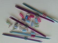 Organize your #knitting bag with #Qoileez! #knitting #needle #holder's. Qoileez.com