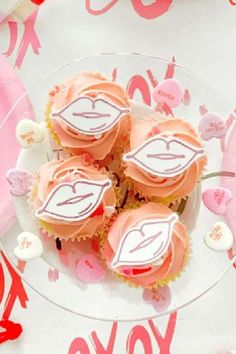 The cupcakes at this Outer Space Valentine's Day party are amazning!! See more party ideas and share yours at CatchMyParty.com #catchmyparty #partyideas #valentnesday #cupcakes #valetinesdaycupcakes