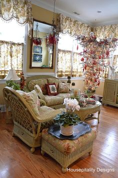 """The Sunroom Upside Down Christmas Tree and the Five Favorites and Winner of the """"Better Late Thank Never"""" Linky Party"""
